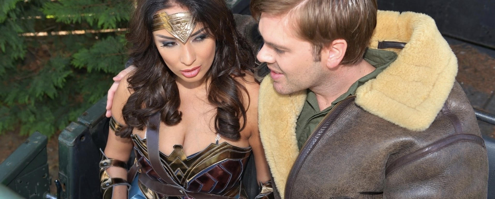 "alt=""Wonder Woman cosplay porn parody"">"